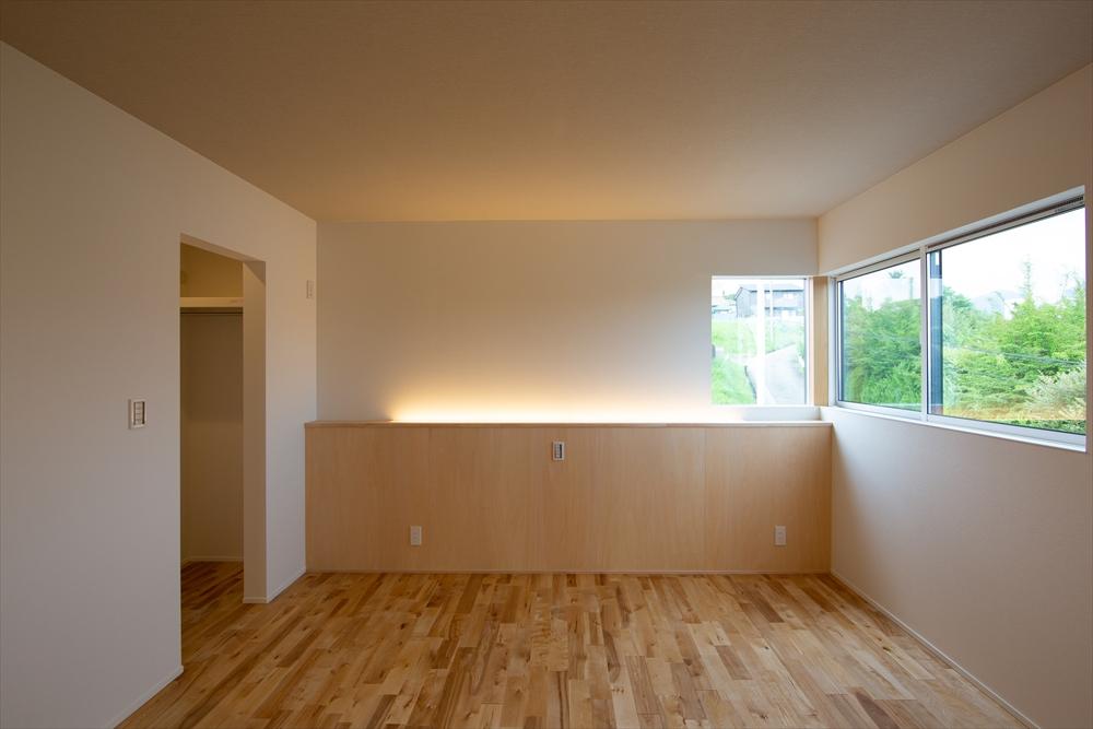 STYLE#046 高台にそびえ建つ開放感のある家