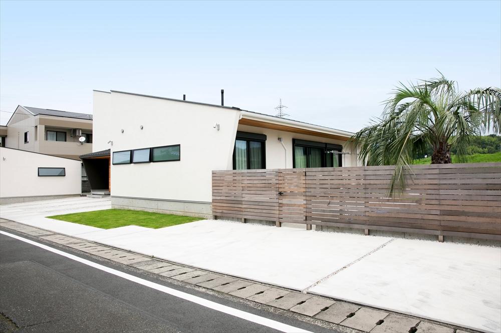 STYLE#036 庭を介し程よく分離する二世帯住宅