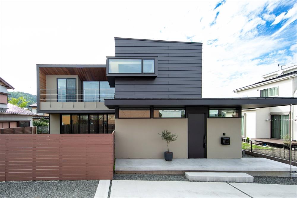 STYLE#50 L型ブラックガルバの家